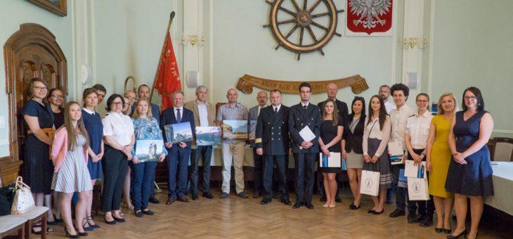 Nagrody w X konkursie fotograficznym Akademii Morskiej w Szczecinie wręczone